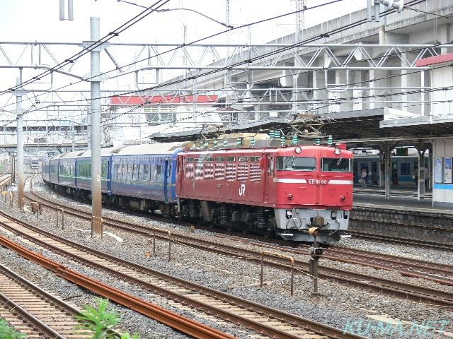 Photo of EF81 ECHIGO forwarding train